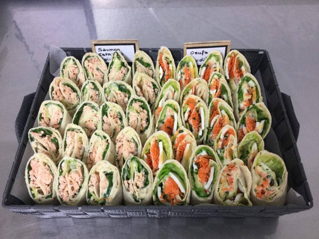 Pour vos séminaires, réunions, événements, nous livrons également des paniers garnis, 1/4 de baguettes, pains spéciaux ou petits-déjeuners.